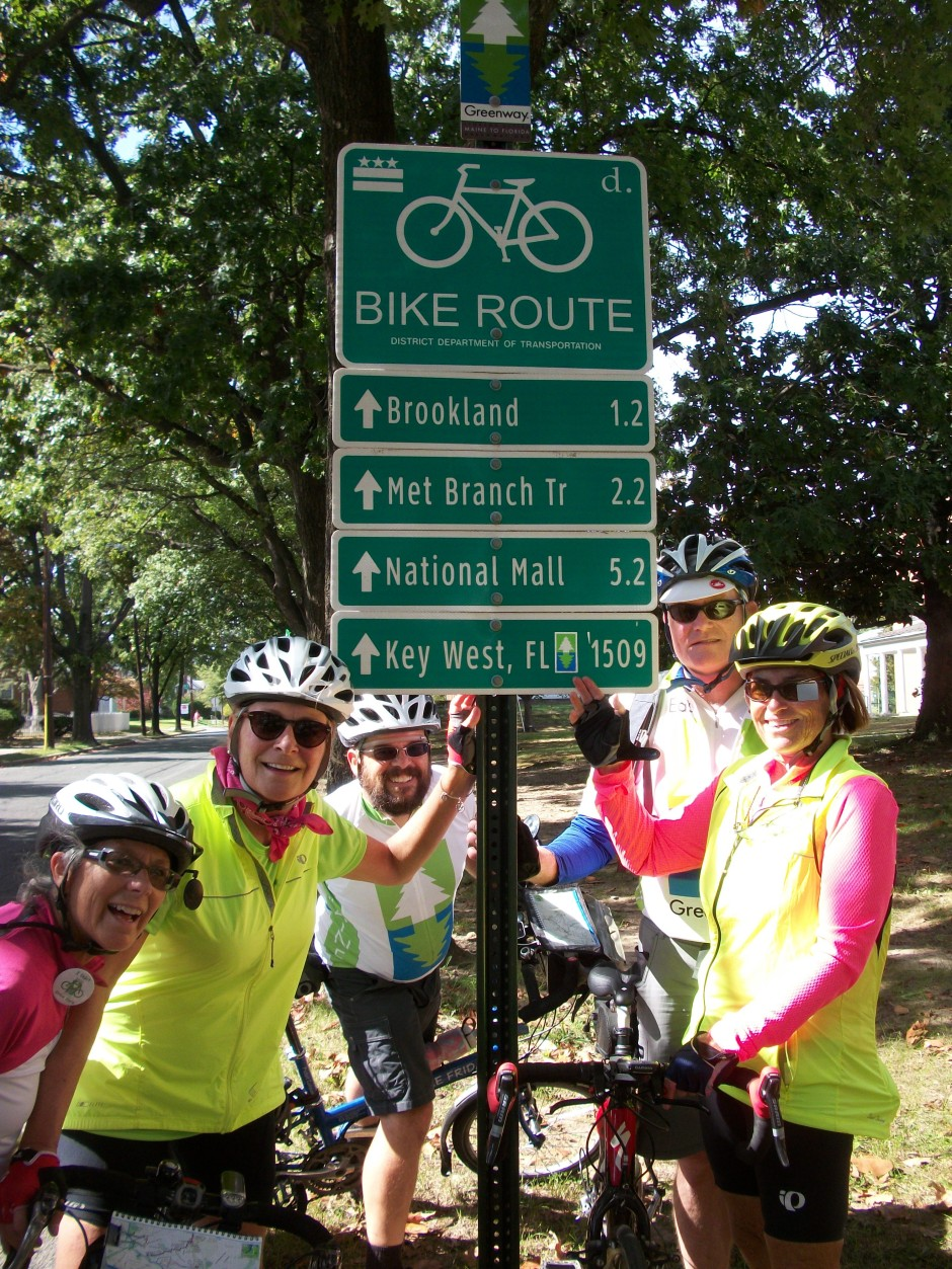 Bike route sign in Washington showing 1,509 miles to Key West